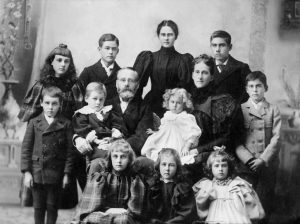 large Victorian family